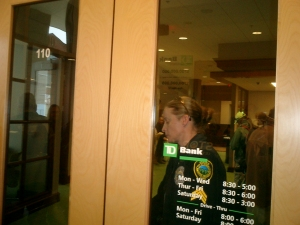 APD locks protestors inside bank, shutting it down for us. Thanks!